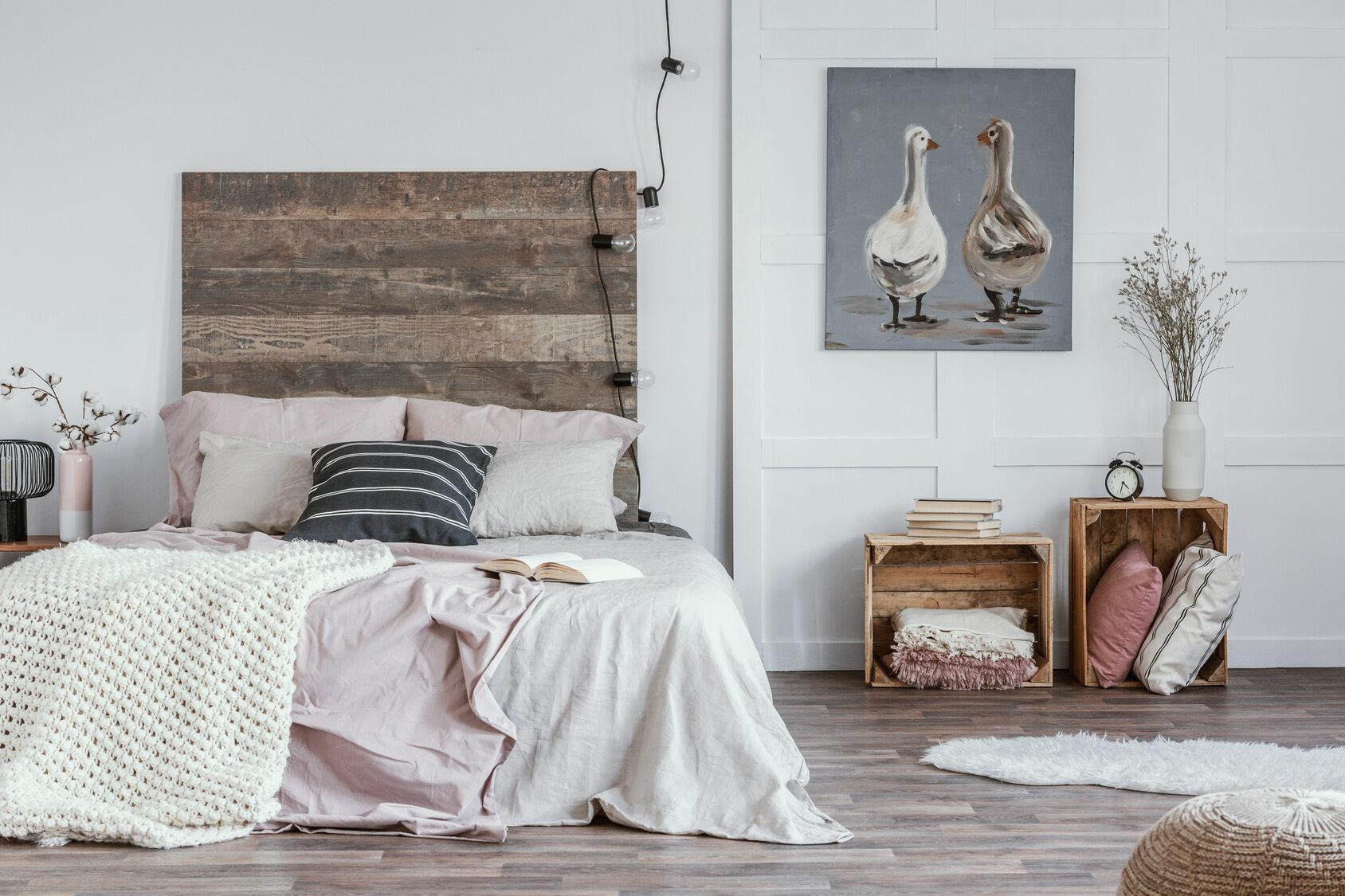 łóżka Drewniane W Wiejskim Stylu